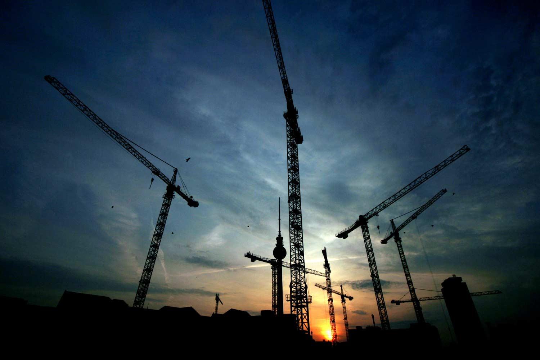 בנייה בראש שקט- למה עדיף לשכור עגורן ולא לקנות?